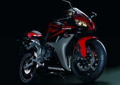 17211 -MOTORCYCLE - HONDA - CBR 600 RR* S - 41x29-