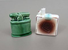Vintage Tobacciana Ceramic Salt & Pepper Shaker Set  Saltinas