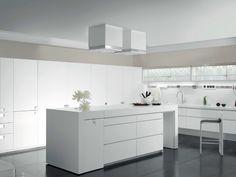 Cucina laccata in Corian® con isola ESSENTIAL QUADRA Collezione Essential by TONCELLI CUCINE | design Tommaso Toncelli