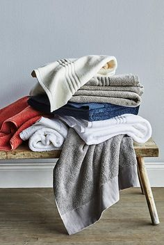 Slide View: 4: Linen-Bordered Westchester Towel Collection