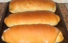 Ninguém resiste ao cheirinho de pão saindo do forno, não é? Por isso é tão gostoso fazer Pão Caseiro. Essa receita é maravilhosa. Cresce e fica bem fofinha