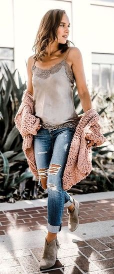 Ripped jeans with a boot is a good choice #WeekendLook #shopthelook #Summer #ripped #shopping #brownboot #woman #affiliate