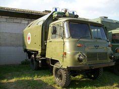 Robur askeri ambulans Trucks, Emergency Vehicles, War Machine, Military Vehicles, Techno, Red And Blue, Light Blue, Antiques, Classic