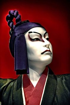 Life-size doll of a typical kabuki character in the Tokyo Edo Museum in Ryogoku, Tokyo, Japan We Are The World, People Of The World, Samurai, Art Japonais, Maquillage Halloween, Actor Photo, Japan Art, Tokyo Japan, Fantasy Makeup