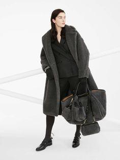 Max Mara Teddy Coat, Teddy Bear Coat, Oversize Mantel, Oversized Coat, Reggio Emilia, Grey Outfit, Pullover, Fashion 2020, Women's Fashion