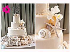 O bolo de casamento pode ganhar uma decoração temática: cores em tons de areia e conchinhas para decorar.