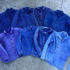 好ㄧ個週末假期 好適合上架ㄧ些好東西 french work coat再度到貨 不同的藍色色階 因為工作上使用摩擦 產生不同的色落而形成不同的美感 我知道這種斑駁褪色你最無法抗拒了 by rolling.on