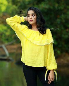 Child Actresses, Indian Actresses, Beautiful Indian Actress, Beautiful Women, Tamil Girls, Saree Look, Girl Photography Poses, Indian Girls, Indian Beauty