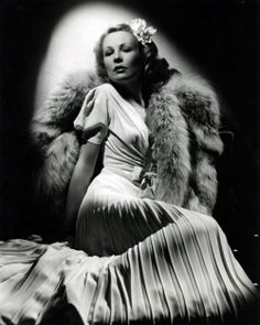 Wendy Barrie 1937 - Photo by George Hurrell