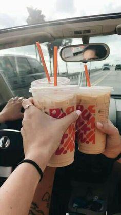 See more of kashleyyy's VSCO. Bebidas Do Starbucks, Starbucks Drinks, Starbucks Coffee, Iced Coffee, Coffee Art, Coffee Break, Morning Coffee, Aesthetic Coffee, Aesthetic Food