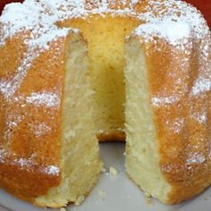 Joghurtos kuglóf Ring Cake, Kitchen Aprons, Sweet Desserts, Scones, Bread Recipes, Tapas, French Toast, Food And Drink, Pudding