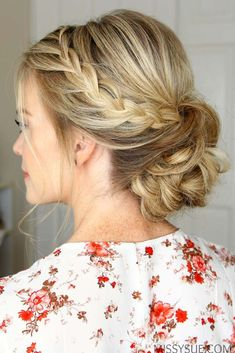 Trendy Chic Updos Ideas For Medium Length Hair44