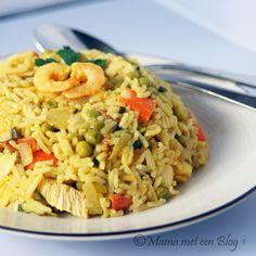 Zullen we weer eens Paella eten? http://mamameteenblog.nl/paella/