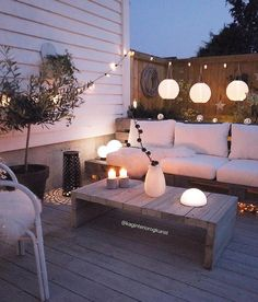 This woman has it FIGURED OUT when it comes to outdoor rooms… This is everything! This woman has it FIGURED OUT when it comes to outdoor rooms! Outdoor Rooms, Outdoor Living, Outdoor Furniture Sets, Outdoor Areas, Design Exterior, Interior And Exterior, Back Patio, Backyard Patio, Backyard Ideas