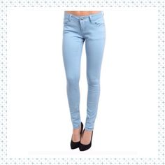 Skinny Minnie Pants This pants are perfect to wear with a cute tee or to pair with a tunic. Light blue color. Either way this Skinnies look great! PP Holds Trades Price firm unless bundled. Pants Skinny