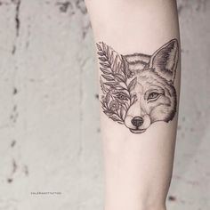 40 Amazing And Creative Wolf Tattoos – Page 8 – Leaky Lifeboat Wolf Tattoos, Sexy Tattoos, Body Art Tattoos, Tattoos For Guys, Coyote Tattoo, Fox Tattoo, Fuchs Tattoo, Tattoo Schwarz, Natur Tattoos