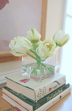 My Favorite Flower Since I Was A Kid Get Them For Every Occasion And Never Tired Of White Tulips 3 Valentines Day Pinterest