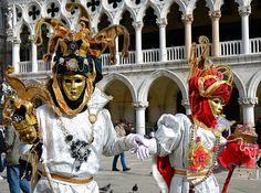 https://flic.kr/p/kWrniE   Venice Carnival 2014 - Carnevale di Venezia 2014   Giovedì e Venerdì grasso nella splendide cornice dei canali di Venezia con le sue magnifiche maschere