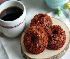 Gingerbread Muffins: seriously ginger, tasty muffins. Perfect to 'spice' up any morning C: