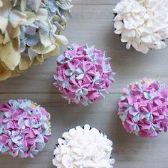 💜💙💜💙💜 . . #decoclaycraftacademy #decoclaycraft #claycraftbydeco #decopsgcourse #fakesweets #hydrangea #cupcakes #loveflowers #デコクレイ #decoクレイクラフト #カップケーキ #クレイスイーツ #アジサイ #花のある暮らし #習い事大阪 #パーソナルスタイルギフトコース