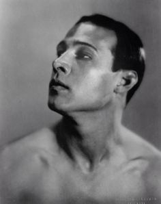 Rudolph Valentino photographed by Maurice Goldberg, 1920.