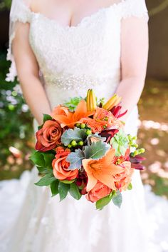 The hues in today's featured wedding are out-of-this-world colorful. Inspired by the picturesque desert town of Sedona, Arizona, Reena & Michael chose a bright Orange Wedding Colors, Indian Garden, Orange Country, Wedding Bouquets, Wedding Dresses, Orange And Turquoise, Sedona Arizona, Park Weddings, Florals