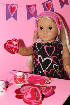 American Girl Doll Play: EASY Valentine Heart Shaped Candy Box