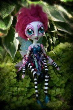 The Dark Faerie: Art Dolls