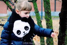 CROCHET PATTERN - Sleeping panda neck warmer. Easy and funny crochet tutorial pattern to create an original panda neck warmer for adult (suitable for children too).