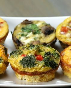 These Egg Breakfast Cups Will Keep You Full Until Lunch- great idea to do different veggies in each cup