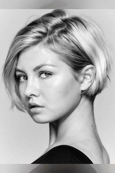 Exceptional Ladies hairstyles top knot,Older women hairstyles for fine hair and Bouffant hairstyles for short hair. Pixie Bob Hairstyles, Fringe Hairstyles, Short Hairstyles For Women, Hairstyles With Bangs, Straight Hairstyles, Brunette Hairstyles, Hairstyles 2018, Everyday Hairstyles, Black Hairstyles
