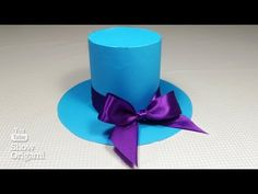 How to make a Top Hat 🎩 out of paper with your own hands. Book Page Crafts, Arts And Crafts, Paper Crafts, Hat Tutorial, Willy Wonka, Book Pages, 1st Birthday Parties, Alice In Wonderland, Origami