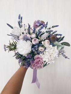 Informations About Wedding bouquet, Bridal bouquet lavender, Lilac Bridesmaids Bouquet, Wedding Flow Purple Wedding Bouquets, Lavender Bouquet, Peonies Bouquet, Bridal Flowers, Flower Bouquet Wedding, Purple Flower Bouquet, Tulip Bouquet, Rose Bouquet, White Bouquets