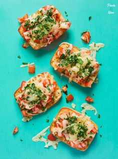This Cheesy Garlic Bread is the best accompaniment to all our slimming-friendly dishes - and it's perfect for Weight Watchers or Calorie Counting plans! Lentil Recipes, Healthy Recipes, Healthy Food, Healthy Eating, Healthy Appetizers, Veggie Recipes, Healthy Meals, Yummy Recipes, Vegetarian Recipes