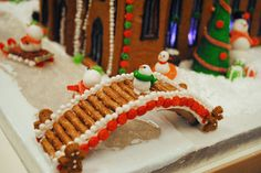How to Make an Amazing Gingerbread House, According to the Pros - - Tips and tricks from the competitors in the gingerbread house design competition at the BSA Space. Gingerbread House Candy, Graham Cracker Gingerbread House, Gingerbread House Template, Gingerbread House Designs, Gingerbread Village, Gingerbread Cookies, Gingerbread House Decorating Ideas, Ginger Bread House Diy, Ginger Bread House Decorations