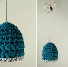 Visto aquí: http://www.etsy.com/listing/84130942/hand-crocheted-pendant-lamp-in-blue