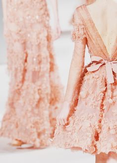 the most gorgeous gowns via elie saab Runway Fashion, High Fashion, Fashion Beauty, Fashion Show, Elie Saab, Glamour, Emilio Pucci, Mode Style, Dress Me Up