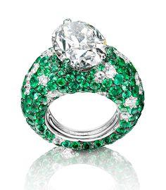 DE GRISOGONO   White gold, diamond and emerald ring, featuring a 11.89 carat diamond