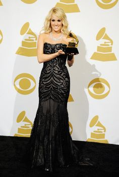 Carrie Underwood looking stunning, as usual. - 2013 Grammys