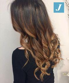 Caramel and Honey Shades _ Degradé Joelle #cdj #degradejoelle #tagliopuntearia #degradé #igers #musthave #hair #hairstyle #haircolour #longhair #ootd #hairfashion #madeinitaly #wellastudionyc