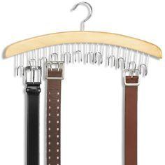 El campeón del cambio: la percha de los cinturones. | 53 trucos para organizar la ropa que te van a cambiar la vida de verdad