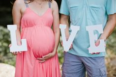 Adorable pregnancy pic... I already have the letters!