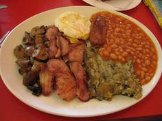 Have you ever cooked a full English Breakfast for brunch? Check out how to cook Bubble and Squeak it's very nice Bubble And Squeak, Chana Masala, Sausage, Brunch, Meals, Chicken, Cooking, Breakfast, Ethnic Recipes