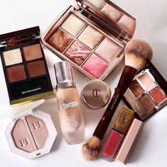 11 Makeup Tips All Older Women Should Know. Glam Makeup, Pretty Makeup, Skin Makeup, Makeup Cosmetics, Makeup Goals, Makeup Tips, Makeup Wallpapers, Tom Ford Beauty, Makeup Needs