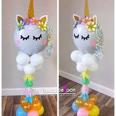 Loving this Unicorn balloon centerpiece ❤️ #mydecoballoon #balloonsnj #balloonsnyc #unicornballoon #unicorn #unicorncenterpiece #unicornparty #ballooncenterpieces