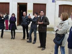 El alcalde de Peñafiel nos guió en la Plaza del Coso en la segunda Bibliocata 2010