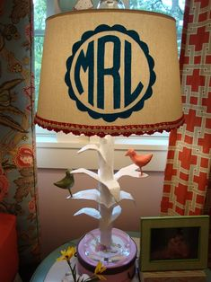 DIY monogram lampshade - I've pinned this lamp before but didn't have the tutorial. This has the super easy tutorial on how to make monogram shades! Diy Monogramm, Dorm Lighting, Lighting Ideas, Design Furniture, Do It Yourself Home, Fun Projects, Crafty Projects, Diy And Crafts, Party Crafts
