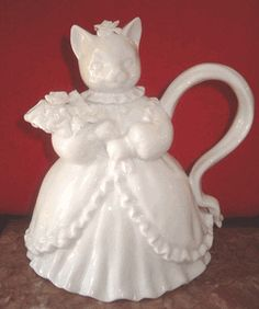 Miss Kitty Cat Porcelain Teapot