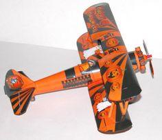 Halloween Stearman Paper Model