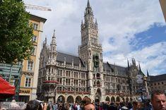 Historic city hall in the center of Brussels in Belgium.  Stadhuis in het centrum van Brussel in België.
